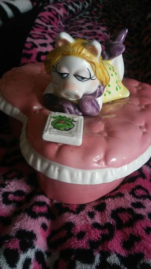 Miss piggy Vintage jewelery heart shaped box for Sale in Chula Vista, CA