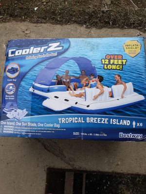 CoolerZ 6 person inflatable tropical island boat for Sale in Elyria, OH
