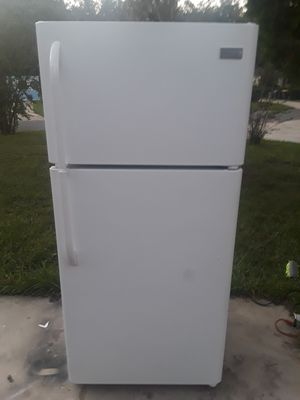 White Frigidaire Refrigerator for Sale in Jacksonville, FL