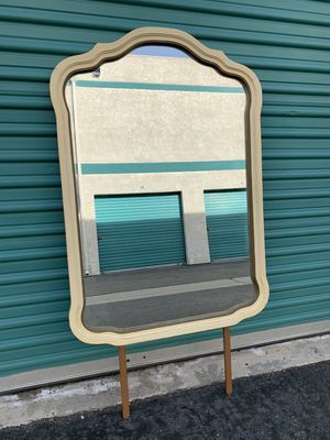 Large ornate vanity mirror for Sale in Buena Park, CA