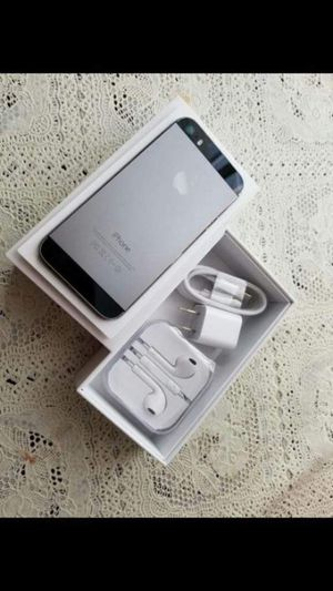 "iPhone 5S,,factory UNLOCKED excellent CONDITION ""aS liKE neW"" for Sale in Fort Belvoir, VA"