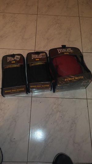 Everlast speed bag gloves for Sale in Miami, FL