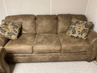 Leather Sleeper Sofa and Loveseat for Sale in Reynoldsburg,  OH