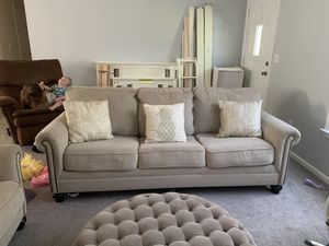Haverty's couch and love seat for Sale in Statesboro, GA