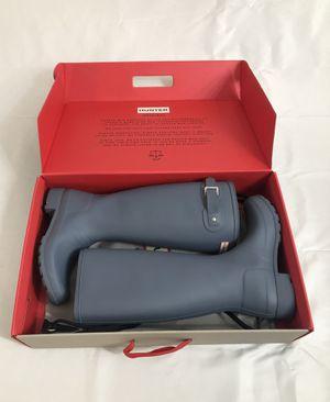 Hunter Rain Boots in Grey (woman's size 7) for Sale in Lynn, MA