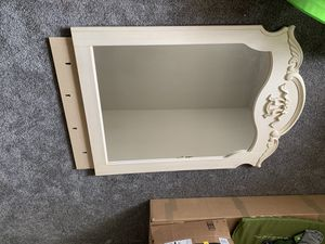Dresser mirror large for Sale in Hanford, CA