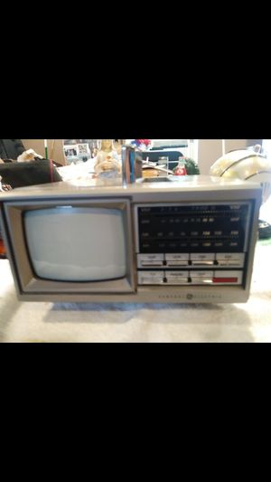 AM FM radio with TV old style for Sale in Weston, MA