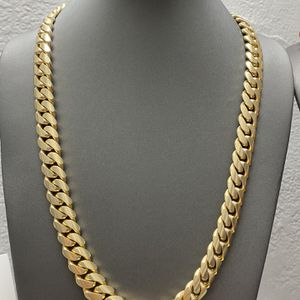 Cuban link chain gold 10k for Sale in Miami, FL