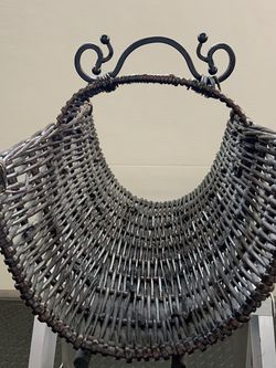 Wicker & Wrought Iron Magazine Holder for Sale in Fircrest,  WA