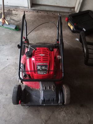 Troy-Bilt SELF-PROPELLED lawn mower for Sale in Lithonia, GA