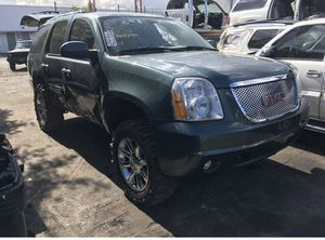 Parting out lifted denali OEM oarts yukon lift kit 07 thru 14 GMC and Tahoe suburban chevy escalade parts for Sale in Fort Lauderdale, FL