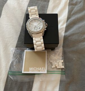 Like New Michael Kors White Silicone Drake Chronograph Watch - MK5621 for Sale in Lisle, IL