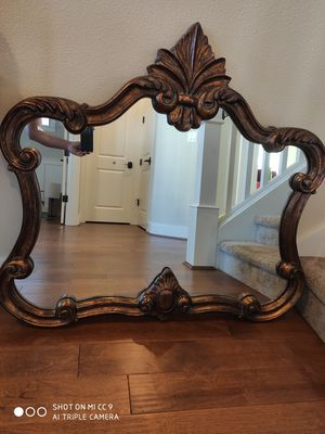 Mirror in excellent condition. It can be wall mounted. for Sale in Salem, OR