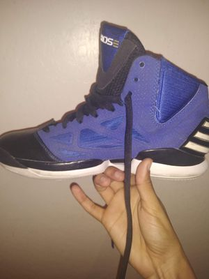 Basketball shoes, Adidas D-Rose zero 2011 for Sale in Laveen Village, AZ