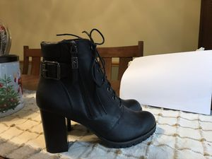 Ladies Vera wang boots 3 inch heel size 10 for Sale in North Canton, OH