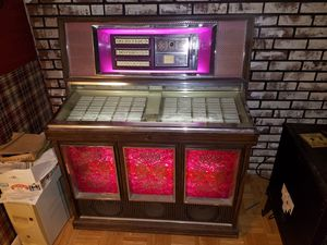 MM6 old 76 record player for Sale in Wyoming, OH
