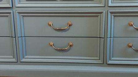 Beautiful Ocean Blue Solid Wood Vintage Thomasville Dresser! for Sale in Pomona,  CA
