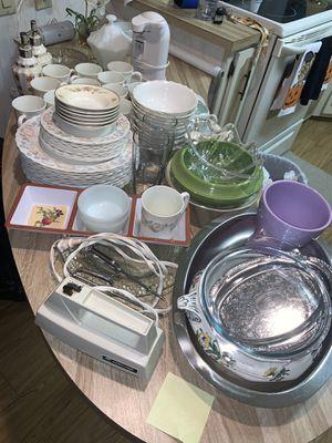 Kitchen Glassware Bundle for Sale in Tampa, FL