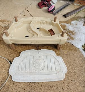 Sand & water table with lid for Sale in Pekin, IL