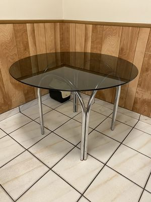 Glass top kitchen table for Sale in Miami, FL