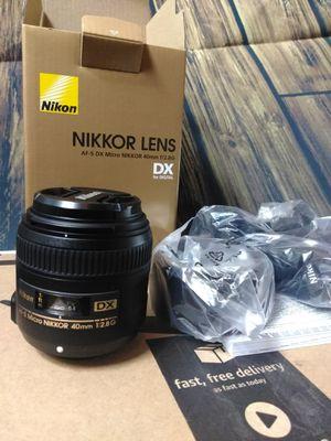 Nikon AF-S DX Micro-NIKKOR 40mm f/2.8G Close-up Lens for Nikon DSLR Cameras for Sale in Pittsburgh, PA
