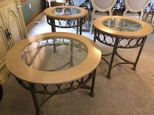 Coffee and 2 end tables for Sale in Black Diamond, WA