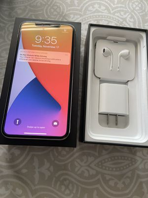 iPhone 11 Pro Max, Silver, 256GB, Unlocked for Sale in City of Industry, CA