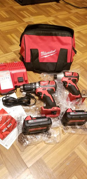 Milwaukee Combo kit Drill and Impact Driver M18 i for Sale in Norwalk, CA
