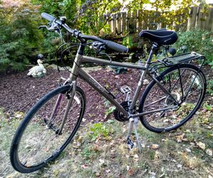 Trek seven two 24-speed 700 19 inch frame. for Sale in Independence, OH