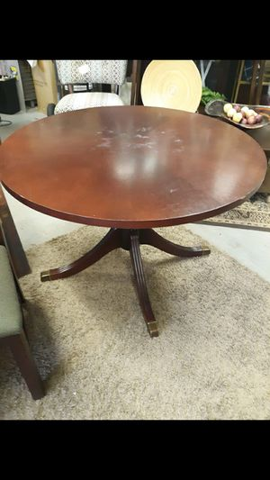 Kitchen table for Sale in High Point, NC