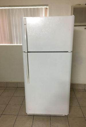 Kenmore Refrigerator for Sale in Garden Grove, CA