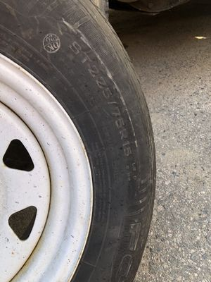 225 75 15 trailer rim and tire for Sale in Newton, MA