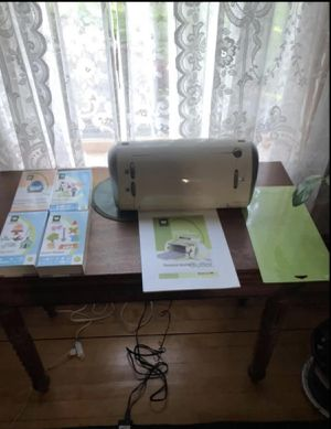 Cricut Electronic Cutter for Sale in Springfield, MA
