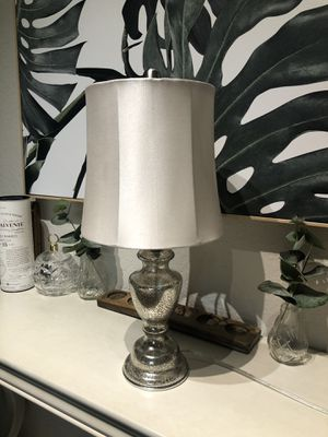 Beautiful table lamp for Sale in St. Petersburg, FL