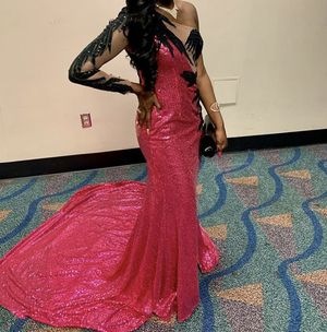 Sparkly Pink Extravagant Prom/Wedding Dress Custom Designs & Long Tail for Sale in Hialeah, FL