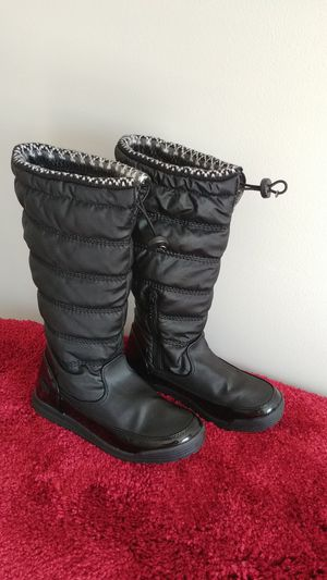 Winter boots for young girls/ children (Size 6M) for Sale in Charlotte, NC