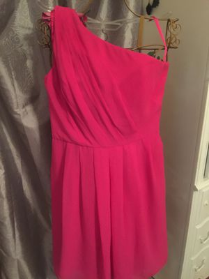 Misses coral color designer dress cold shoulder zip back chiffon lined size 8-10 elegant timeless look pristine for Sale in Brecksville, OH