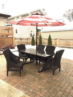 Hampton Bay Woodbury Outdoor Patio Deck Furniture Set Table 6 Chairs Umbrella Outdoor for Sale in Lombard, IL