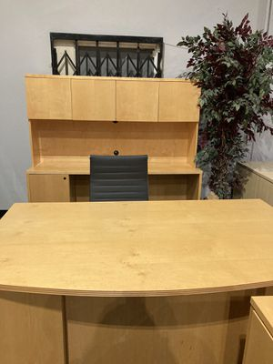 Desk and Credenza for Sale in City of Industry, CA