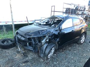 "2010 Hyundai Tucson ""for parts"" for Sale in San Diego, CA"
