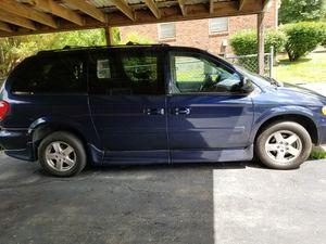 handicap Dodge Grand Caravan 2005 for Sale in Nashville, TN