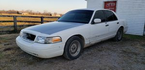 1999 Ford Crown Vic LX for Sale in Lexington, KY