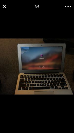 MacBook Air 2017 (Used but PERFECT condition) for Sale in Seattle, WA
