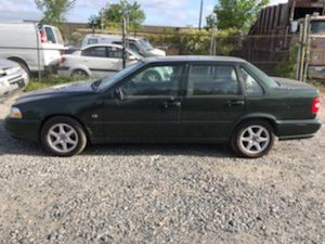 1999 Volvo s70 200k miles runs and drives!!! for Sale in Temple Hills, MD
