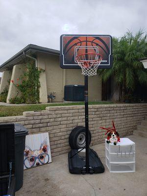BASKETBALL HOOP for Sale in San Marcos, CA