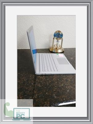 Microsoft Surface Book 1 Quad Core i5 8th gen processor 8gb ram and 256gb SSD. It's a touchscreen. for Sale in Phoenix, AZ
