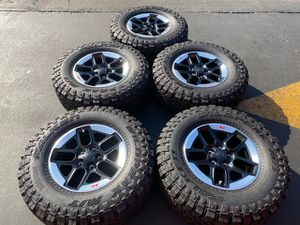 "(5) 17"" Jeep Rubicon Wheels 285/70R17 Falken Wildpeak M/T - $1349 for Sale in Santa Ana, CA"
