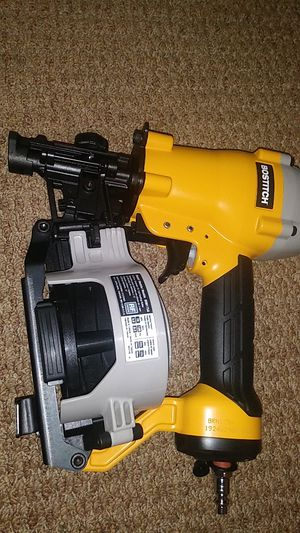 BRAND NEW GUNS ROOFING NAILS AIR COMPRESSOR for Sale in NEW CARROLLTN, MD