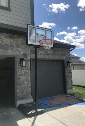 LIFETIME BASKETBALL HOOP for Sale in Draper, UT
