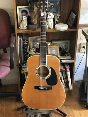 Electric guitar for Sale in Cadillac, MI